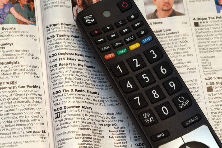 L'editoriale – La Tv è smart, dalla generalista all'on demand, da Instagram a TikTok