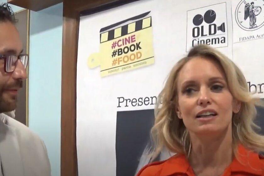 """L'editoriale – Justine Mattera al Cine Book Food: """"La tv ha perso tanto pubblico"""""""